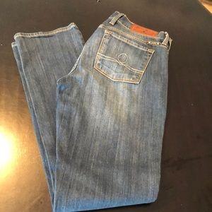 Lucky brand low rise straight leg jean
